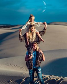 Cole, Savannah, and Everleigh Ace Family, Family Goals, Couple Goals, Cole And Savannah, Savannah Chat, Cute Photos, Cute Pictures, Baby Pictures, Cute Kids