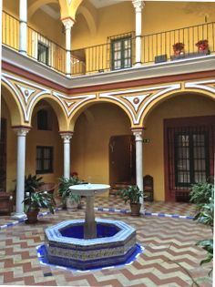 Patios andaluces en sevilla buscar con google porches - Patios interiores andaluces ...