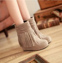 Botas Femininas Zapatos de Mujer otoño invierno Botas tacones altos Zapatos de las cuñas de plataforma Martin botines negro rojo mujeres cargadores de la borla(China (Mainland))