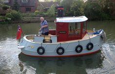 Henley on Thames mini Tug