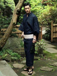 SPUTNICKS スプートニクス Japanese Yukata, Japanese Costume, Japanese Textiles, Japanese Men, Japanese Outfits, Japanese Beauty, Japanese Style, Male Kimono, Yukata Kimono