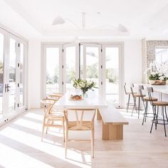 My Favorite Pins of the Week - Minimalist Malibu Dining Room and Kitchen My Fav. My Favorite Pins of the Week – Minimalist Malibu Dining Room and Kitchen My Favorite Pins of the Küchen Design, House Design, Design Ideas, Designs, Design Projects, Modern Design, Kitchen Dining, Kitchen Decor, Dining Area