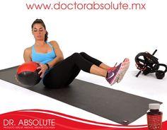 El mejor ejercicio para los huesos es el que requiere sostener el propio peso como sentadilla con pelota medicinal.  Recuerda consultar a tu medico.