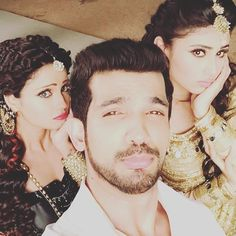Few days more with my pyaari naagins @imouniroy and @adaakhann ..#ritik#shivanya#shesha#naagin #naaginsctv @colorstv