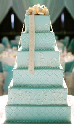 ティファニーブルー色のデコレーションケーキ!
