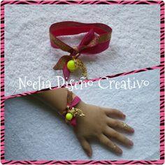 Pulsera para niña...! con elástica y piedras de plástico ideal para tu princesa... Con su anillo mini para que ellas también estén a la moda ;-)