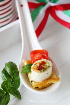 Piccoli appetizer tricolori al cucchiaio per tifare Italia! www.pensieriepasticci.it