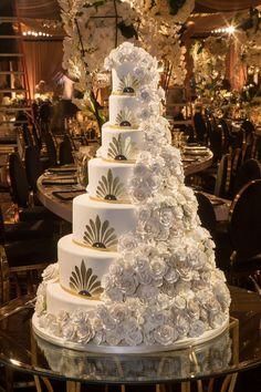 Extravagant Wedding Cakes, Big Wedding Cakes, Luxury Wedding Cake, Luxury Wedding Venues, Amazing Wedding Cakes, Elegant Wedding Cakes, Wedding Cake Designs, Dream Wedding, Wedding Day