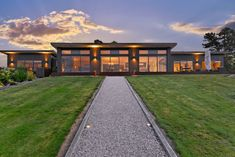 Panoramic Privacy in Tasman's Prime Location - realestate.co.nz