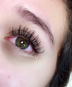 Classic lash extensions by Monique Rodgers. @lashedbym on IG