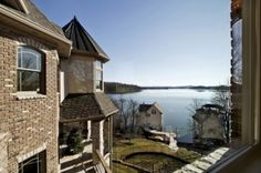 Stunning 6BD/8BA custom Tennessee home up for auction on Auction.com!