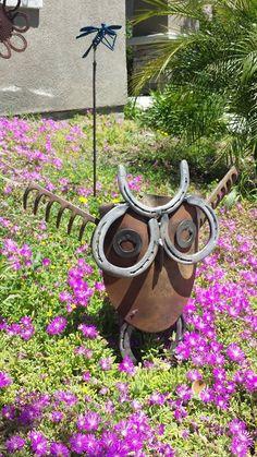 Owl made from a shovel head and rake