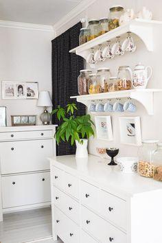 Bildresultat för stenstorp hylla Dad's Kitchen, Kitchen Shelf Decor, Kitchen Shelves, English House, Hemnes, Sunflower Kitchen, Sweet Home, New Homes, House Design