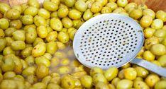 Διάφοροι πρακτικοί τρόποι ξεπικρίσματος και παρασκευής ελιών http://ift.tt/2fFsg6W