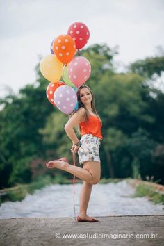 29 Ideas For Book Balao - The world's most private search engine Balloons Photography, Senior Photography, Love Photography, Creative Photography, Portrait Photography, Birthday Photography, Un Book, Book Page Flowers, Book Design Inspiration