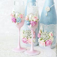 Купить или заказать 'Голубой и розовый' бокалы (повтор) в интернет-магазине на Ярмарке Мастеров. Данный набор аксессуаров выполнен на заказ, возможен повтор: -шкатулка для колец 1800р -шкатулка для конвертов 28х22х8см 3000р -бокалы 2000р -плечики для свадебного платья 700р -декор свадебных бутылок (без стоимости напитка) 3000р -папка для свидетельства о браке 2000р Состав набора может быть любым! *Правила магазина: Если в наличии будут все материалы, возможен максимальный повтор.…