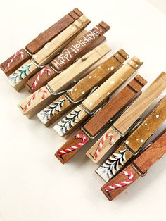 CHRISTMAS CLOTHESPINS painted wood and glitter candy canes Christmas tree hanging card display Christmas card garland clip place card holder - Dollar tree christmas diy Christmas Tree Card Holder, Christmas Place Cards, Christmas Card Display, Candy Cane Christmas Tree, Christmas Craft Fair, Cool Christmas Trees, Noel Christmas, Rustic Christmas, Holiday Crafts
