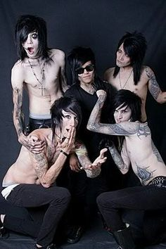 Bvb all shirtless hehe :3