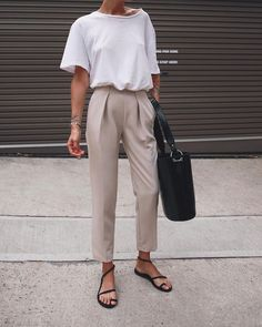 White t-shirt, beige trousers, black sandals & tote | @styleminimalism