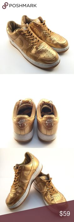 Nike Air Force 1 One Retro QS Nikelab Gold sz 10 Nike Air Force 1 One Low Retro QS Nikelab Metallic Gold White 306353-771 Nike Gold AF1 Here is your chance to grab these unique Nike Air Force 1's at a great price! These AF1' have been worn and show normal wear so don't expect a perfect shoe. All of the pictures are the actual product you will receive. Don't miss your opportunity to really make a statement with these amazing shoes!  Tag in the shoe indicates the Serial Number is…