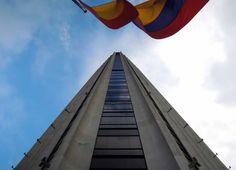 Una Antología de Aventuras: Un rascacielos llamado Torre Colpatria