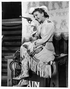"""ANNIE GET YOUR GUN - Mary Martin (pictured) portrayed """"Annie Oakley"""" in the long-running Broadway musical show which preceded the film version. Old Hollywood Glamour, Hollywood Studios, Classic Hollywood, Victoria Principal, Jean Simmons, Julie Newmar, Jacqueline Bisset, Smith Wesson, Westerns"""