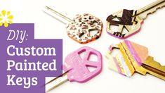 Diy custom painted keys (how to make) (decorate) Diy Sewing Projects, Sewing Hacks, Chocolate Spiders, Key Diy, Paint Keys, Nail Polish Crafts, How To Make Skirt, Diy Back To School, Simple Life Hacks