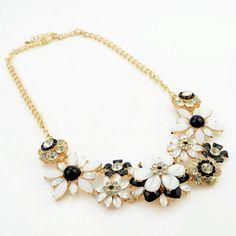 Wholesale Fashion Chic Women's Rhinestone Flower Pendant Necklace (WHITE), Necklaces - Rosewholesale.com