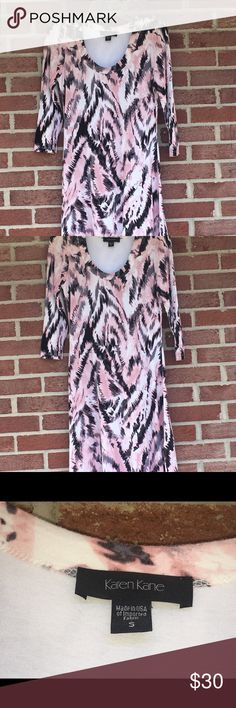 Karen Kane Dress size Small Really cute dress size small by Karen Kane pretty pink and black artistic print perfect for fall layering Karen Kane Dresses Mini