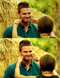 Stephen & Willa in Arrow Season3Bloopers
