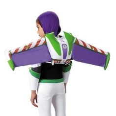 Grab Woody and fly off to infinity and beyond wearing this official Disney Toy Story and Buzz Lightyear Jet pack! When added to the Buzz Lightyear children's costume, your little one will be able to soar to new heights. Jet pack wings are inflatable. Disfraz Buzz Lightyear, Buzz Lightyear Costume, Toy Story Buzz Lightyear, Hallowen Costume, Toddler Halloween Costumes, Halloween Kids, Pixar Costume, Buzz Costume, Trendy Halloween