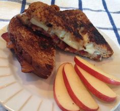 #GlutenFree Cheese Toastie | Amazing combo of Havarti, Munster, Apple, and Bacon!