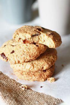 Matcha tea cream and raspberry wrap biscuit - HQ Recipes Biscuit Sans Gluten, Biscuits, Matcha Tea Powder, Vegan Cake, Top Recipes, Quick Easy Meals, Sugar Free, Raspberry, Good Food