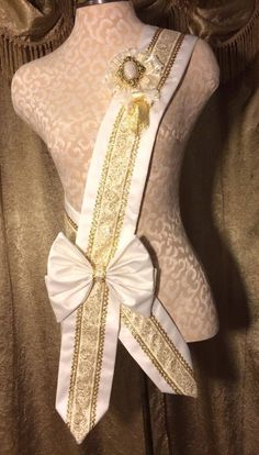 Royal Princess Sash - Ivory x Gold