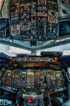 A Casteel Airlines Boeing captured with my new Harms Photo fisheye lens. Boeing 737 Cockpit, Helicopter Cockpit, Flight Simulator Cockpit, Photo Avion, Airplane Wallpaper, Aircraft Interiors, Airplane Flying, Passenger Aircraft, Southwest Airlines