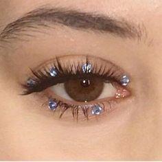 weird eyeliner looks * eyeliner weird + weird eyeliner looks + weird eyeliner trends + weird eyeliner styles + weird black eyeliner + weird eyeliner make up + weird makeup eyeliner Makeup Trends, Makeup Inspo, Makeup Inspiration, Makeup Ideas, Makeup Tutorials, Eye Trends, Eye Makeup Designs, Makeup Guide, Beauty Trends