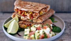 Quesedillas med kylling, majs og peberfrugt er nem og børnevenlig aftensmad Tortillas, Sandwiches, Food, Handmade, Mince Pies, Craft, Paninis, Meals, Arm Work