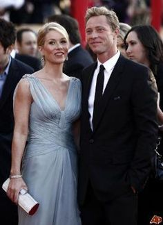Christina Applegate and beau Martyn LeNoble got married Saturday in a small ceremony at their Los Angelos home.