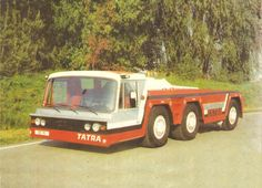 Tatra T815 6x6 TPL Airport tow wrecker Cool Trucks, Cool Cars, Ground Support Equipment, Heavy Duty Trucks, Old Tractors, Busse, Fire Engine, Retro Cars, Semi Trucks