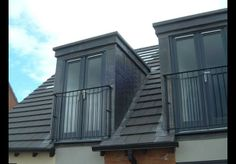 Skylight with door / Juliet balcony - Alles über Dekoration Roof Balcony, Porch Roof, Glass Balcony, Dormer Roof, Dormer Windows, Juliet Balcony, Skylight Covering, Pergola On The Roof, Fibreglass Roof