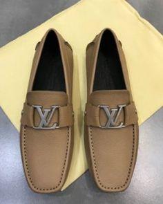69cca707fc8 Classic leather Louis Vuitton shoes Men s Loafers sneaker