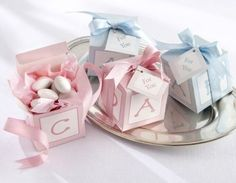 Newborn picture ideas | Baby Shower Favors Ideas to Know · Baby Care Answers