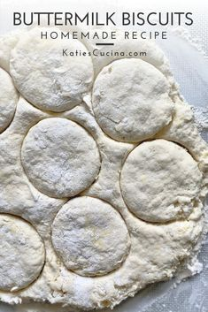 Melt-in-your mouth homemade buttermilk biscuits made in your kitchen in less than 30 minutes time! With just a few ingredients your next breakfast or brunch will be complete. #biscuits #breakfast #buttermilkbiscuits #southernbreakfast Easy Homemade Recipes, Quick Recipes, Loaf Recipes, Yummy Recipes, Sweets Recipes, How To Make Biscuits, Biscuits And Gravy, Homemade Buttermilk Biscuits, Southern Breakfast