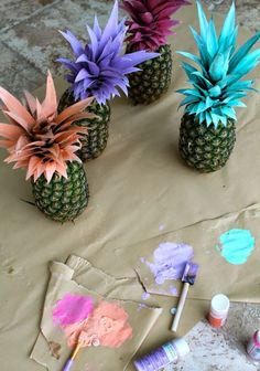painted pineapples = the cutest summer party decorations! – Erin ~ The Blue Eyed Dove painted pineapples = the cutest summer party decorations! painted pineapples = the cutest summer party decorations! Hawaian Party, Summer Party Decorations, Beach Party Decor, Hawaiian Theme Party Decorations, Party Decoration Ideas, Decor Ideas, Bachelorette Decorations, Bachelorette Ideas, Table Decorations For Graduation