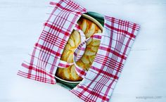 Sewing instructions cake bag from tea towels + Recipe low carb apple pie Diy Projects To Sell, Diy Crafts To Sell, Human Body Lesson, Healty Dinner, Dried Beans, Lose Weight Naturally, Healthy Protein, Photo Tutorial, Calorie Diet