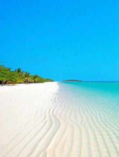 - don't let anyone know - As Estações ◇ Verão/Summer 🌴 Marie Galante, Beach Bodys, Beach Vibes, Beach Scenes, Nature Images, Beach Photos, Belle Photo, Beautiful Beaches, Wonderful Places