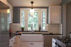 Traditional Kitchen and Bathroom - traditional - Kitchen - Los Angeles - Design Vidal