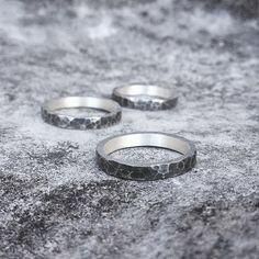 Anéis batidos em prata com oxidação 😍 #joia #joalheria #design #moda #prata #jewelry