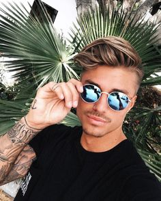 45 k mentions J'aime, 313 commentaires – JOHNNY  EDLIND (@johnnyedlind) sur Instagram : «Healing doesn't mean the damage never existed, but Marbella sun is for sure a good recipe for…»