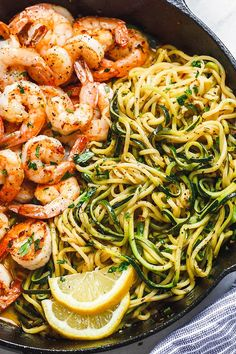 Lemon Garlic Butter Shrimp with Zucchini Noodles - This fantastic meal. Lemon Garlic Butter Shrimp with Zucchini Noodles - This fantastic meal cooks in one skillet in just 10 minutes. Low carb, paleo, keto, and gluten free. Fish Recipes, Keto Recipes, Cooking Recipes, Healthy Recipes, Lunch Recipes, Cooking Games, Low Carb Shrimp Recipes, Zoodle Recipes, Spiralizer Recipes